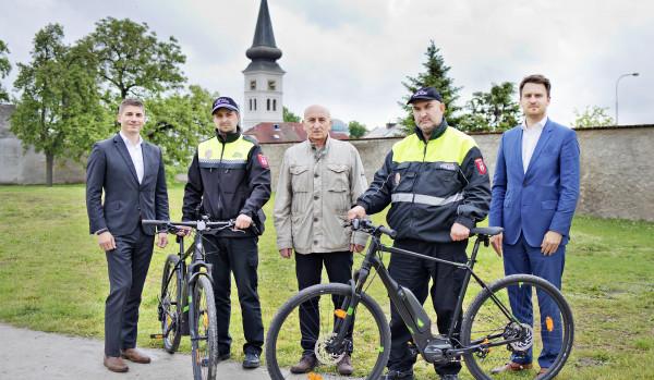 Nové Boleslavsko bezpečné a inovativní: nová elektrokola městu Kosmonosy